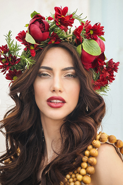 red_flower_crown